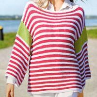 Женский полосатый пуловер со спущенными плечами