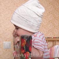 Детская шапочка-колпак на весну для малышки Златочки