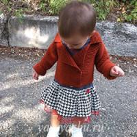 Детский жакет платочной вязкой на теплую осень