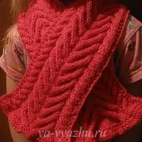 Теперь уже детский шарф спицами связала Татьяна Осипенко