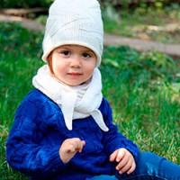 Детская шапочка-колпак и бактус спицами — вязаный комплект на начало осени!