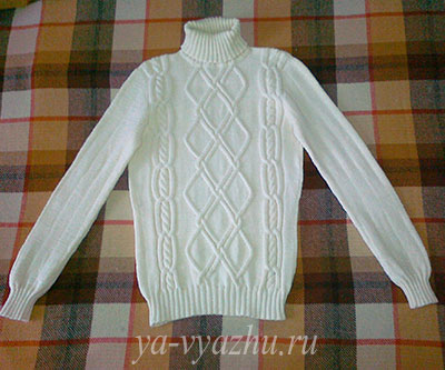 Белый свитер. Работа Любови Яковец