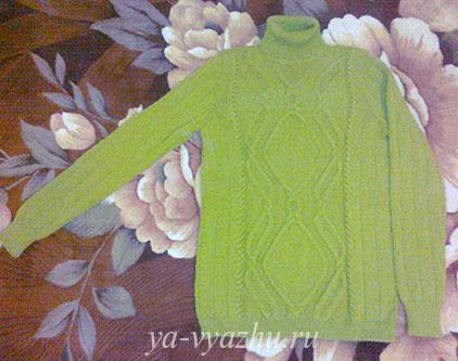 Зеленый свитер от Любови Яковец