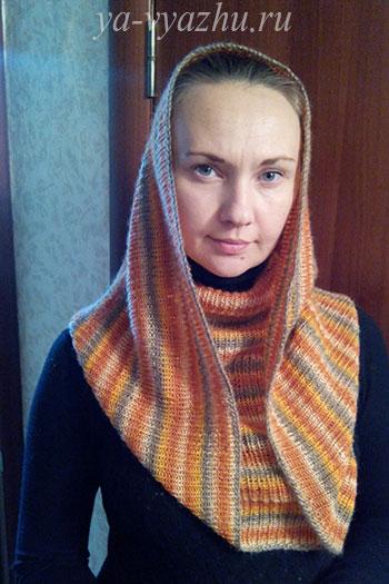 Ксения Черненко в своем шарфе-снуде, связанном спицами