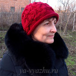 Женская шапочка спицами