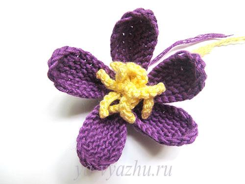 Прикрепление серединки вязаного цветка