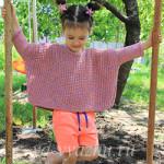 Оверсайз-джемпер для девочки с использованием укороченных рядов спицами