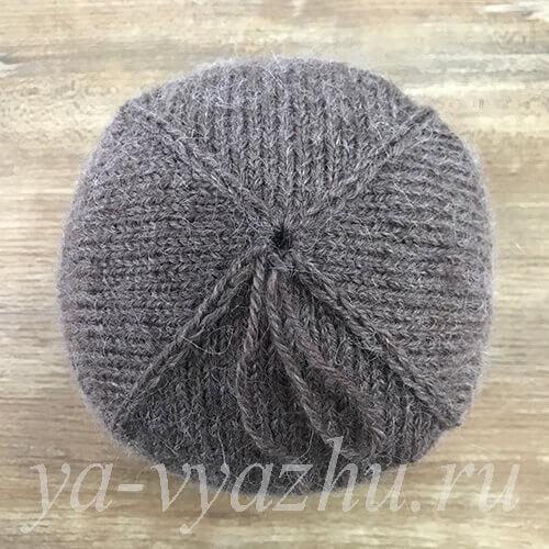 Макушка мужской шапки