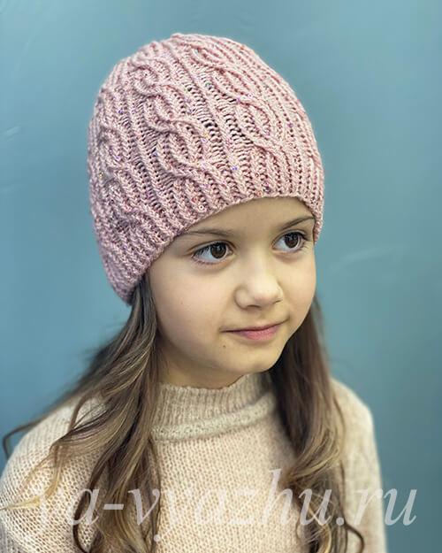 Блестящая розовая шапочка для девочки
