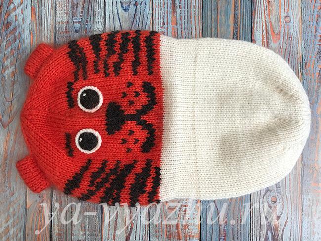 Двухслойная зимняя детская шапка