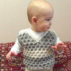 Как связать безрукавку для ребенка узором «крупные ячейки»