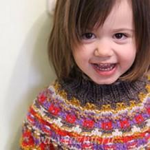 Детский свитер «Калейдоскоп» с круглой кокеткой в технике «бохус»