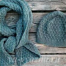 4 комплекта из женских шапочек и шарфов, связанных спицами